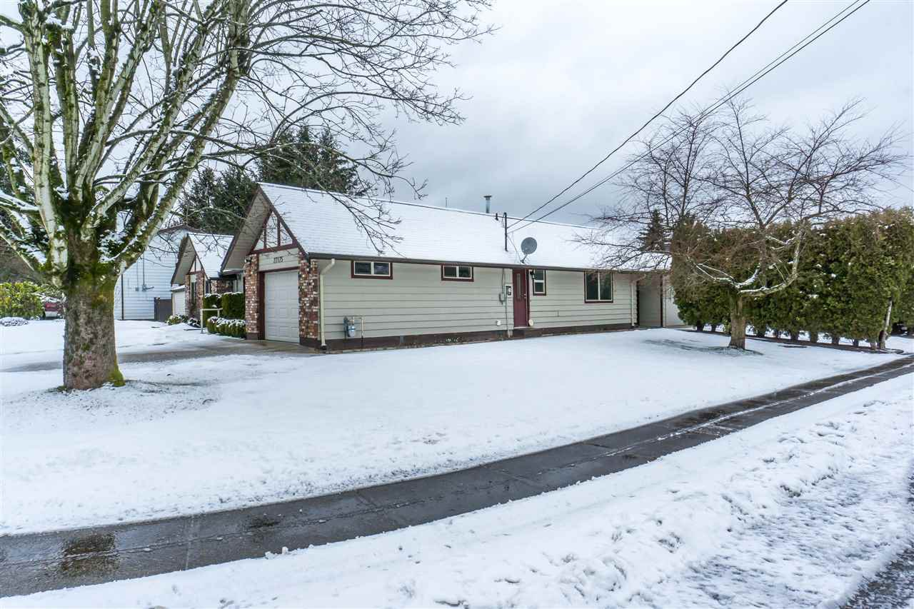 Photo 2: Photos: 27175 34 Avenue in Langley: Aldergrove Langley House for sale : MLS®# R2343088