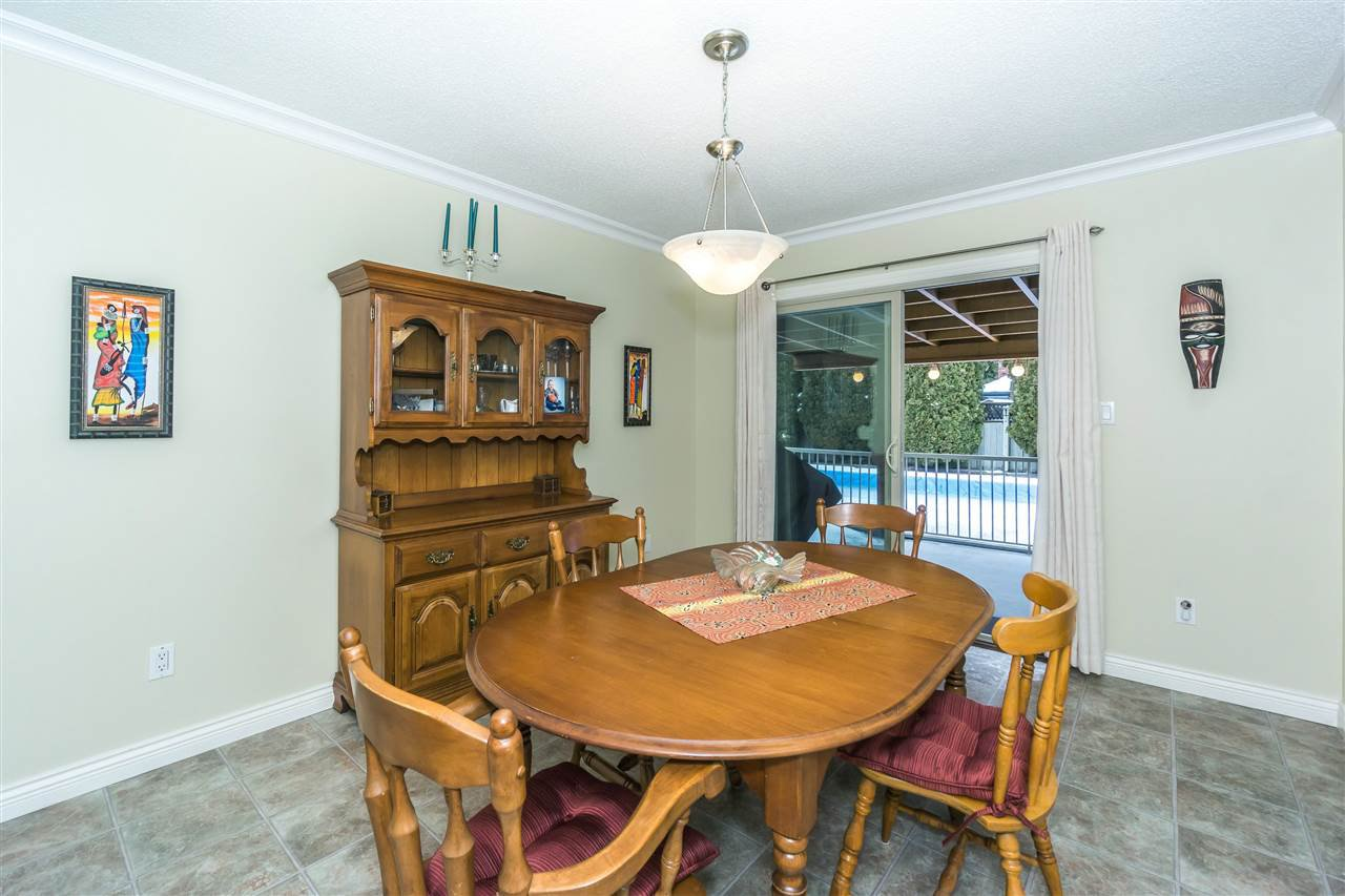 Photo 6: Photos: 27175 34 Avenue in Langley: Aldergrove Langley House for sale : MLS®# R2343088