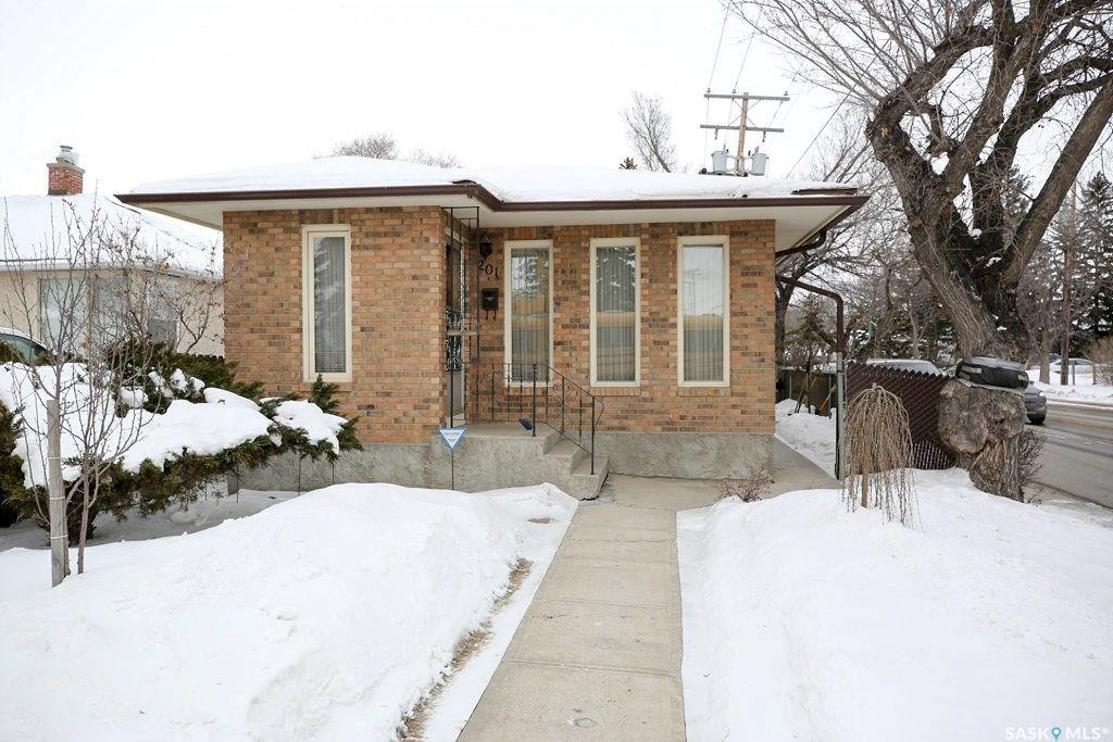 Main Photo: 201 Broad Street North in Regina: Churchill Downs Residential for sale : MLS®# SK761907