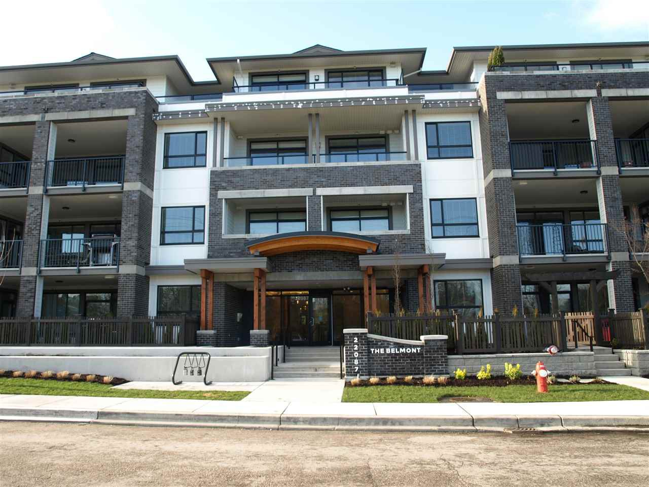 "Main Photo: 406 22087 49 Avenue in Langley: Murrayville Condo for sale in ""Belmont"" : MLS®# R2367757"
