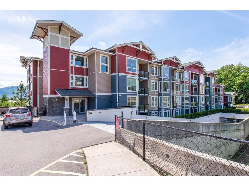 "Main Photo: 309 2242 WHATCOM Road in Abbotsford: Abbotsford East Condo for sale in ""Waterleaf"" : MLS®# R2370139"