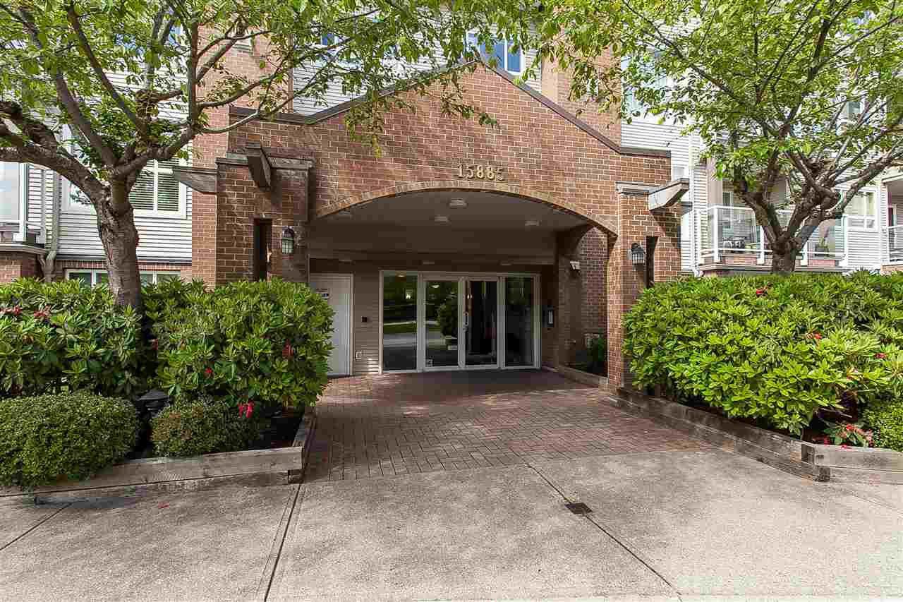 """Photo 2: Photos: 404 15885 84 Avenue in Surrey: Fleetwood Tynehead Condo for sale in """"Abbey Road"""" : MLS®# R2372241"""