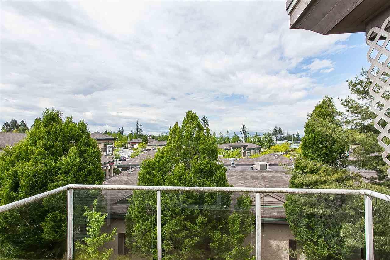 """Photo 11: Photos: 404 15885 84 Avenue in Surrey: Fleetwood Tynehead Condo for sale in """"Abbey Road"""" : MLS®# R2372241"""