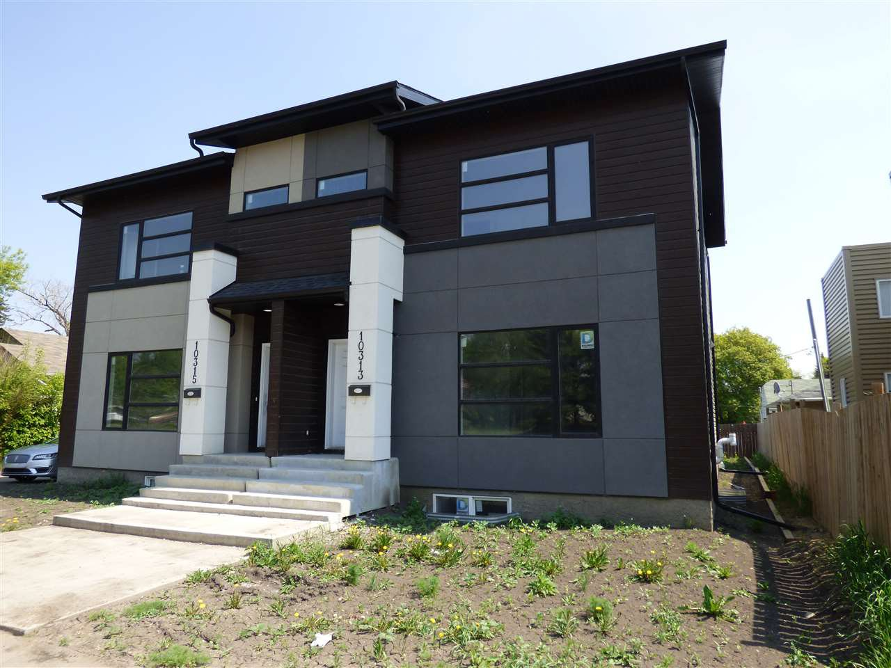 Main Photo: 10313 149 Street NW in Edmonton: Zone 21 House Half Duplex for sale : MLS®# E4160290