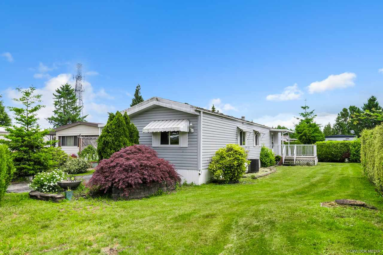 "Main Photo: 14 8670 156 Street in Surrey: Fleetwood Tynehead Manufactured Home for sale in ""WESTWOOD COURT"" : MLS®# R2377361"