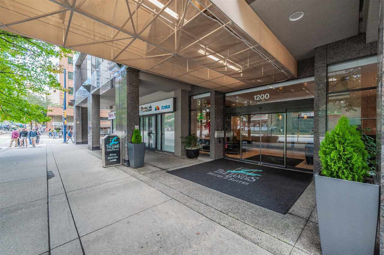 """Main Photo: 421 1200 HORNBY Street in Vancouver: Downtown VW Condo for sale in """"Landis Hotel and Suite"""" (Vancouver West)  : MLS®# R2403768"""