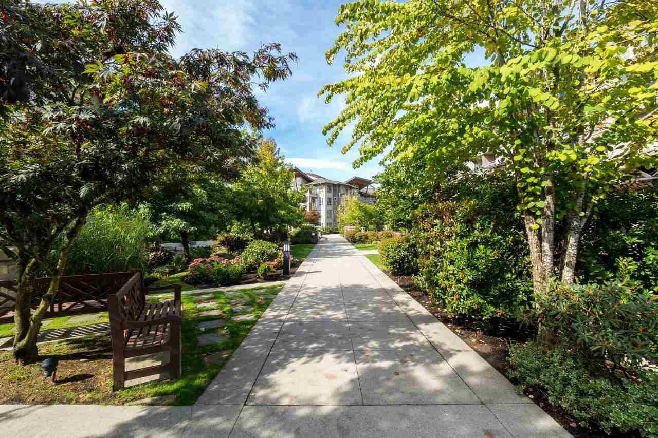 """Photo 2: Photos: 101 580 RAVENWOODS Drive in North Vancouver: Roche Point Condo for sale in """"Raven Woods"""" : MLS®# R2407526"""