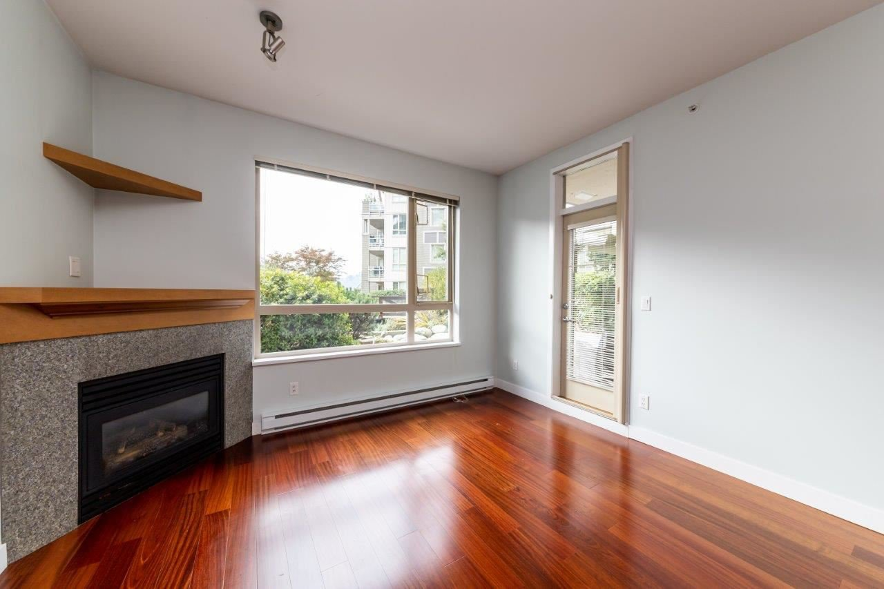 """Photo 3: Photos: 101 580 RAVENWOODS Drive in North Vancouver: Roche Point Condo for sale in """"Raven Woods"""" : MLS®# R2407526"""