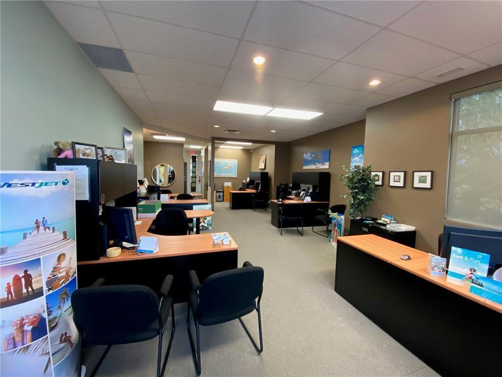 Main Photo: 303 191 EDWARDS Way SW: Airdrie Office for lease : MLS®# C4297296