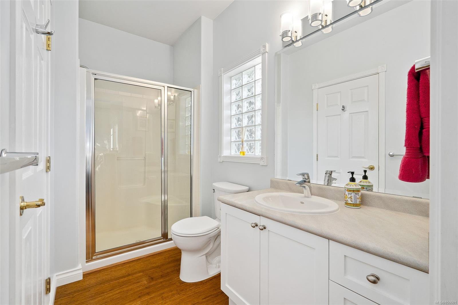 Photo 25: Photos: 5 2235 Harbour Rd in : Si Sidney North-East Row/Townhouse for sale (Sidney)  : MLS®# 850601