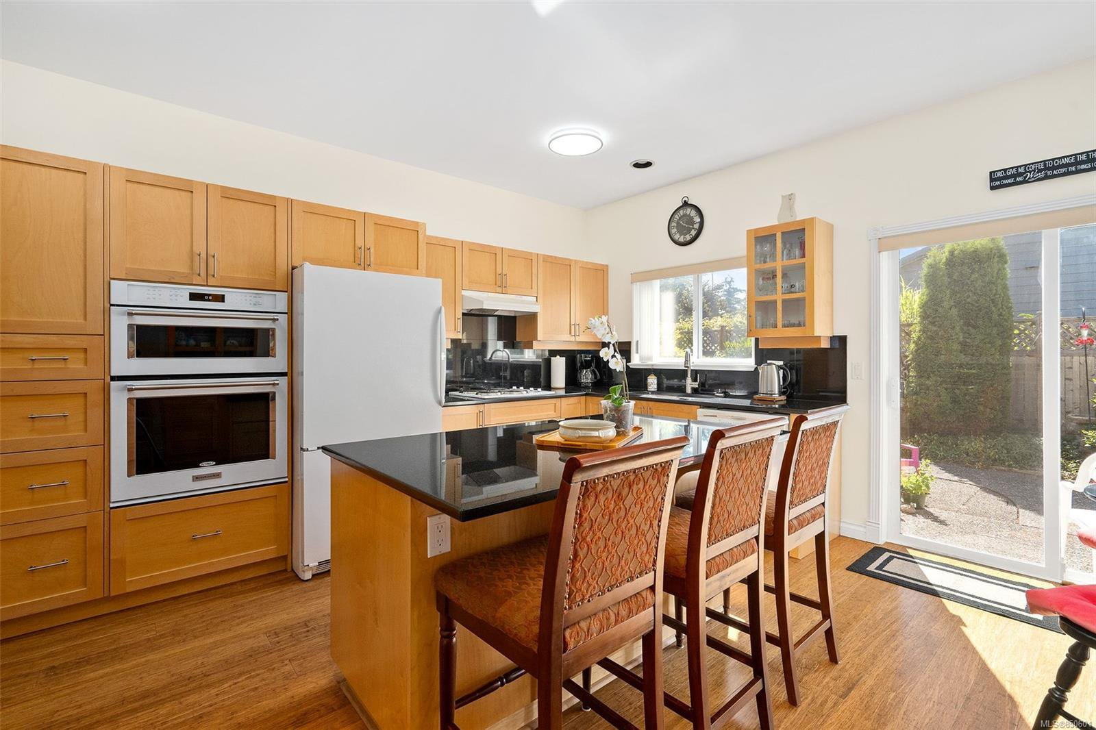 Photo 5: Photos: 5 2235 Harbour Rd in : Si Sidney North-East Row/Townhouse for sale (Sidney)  : MLS®# 850601