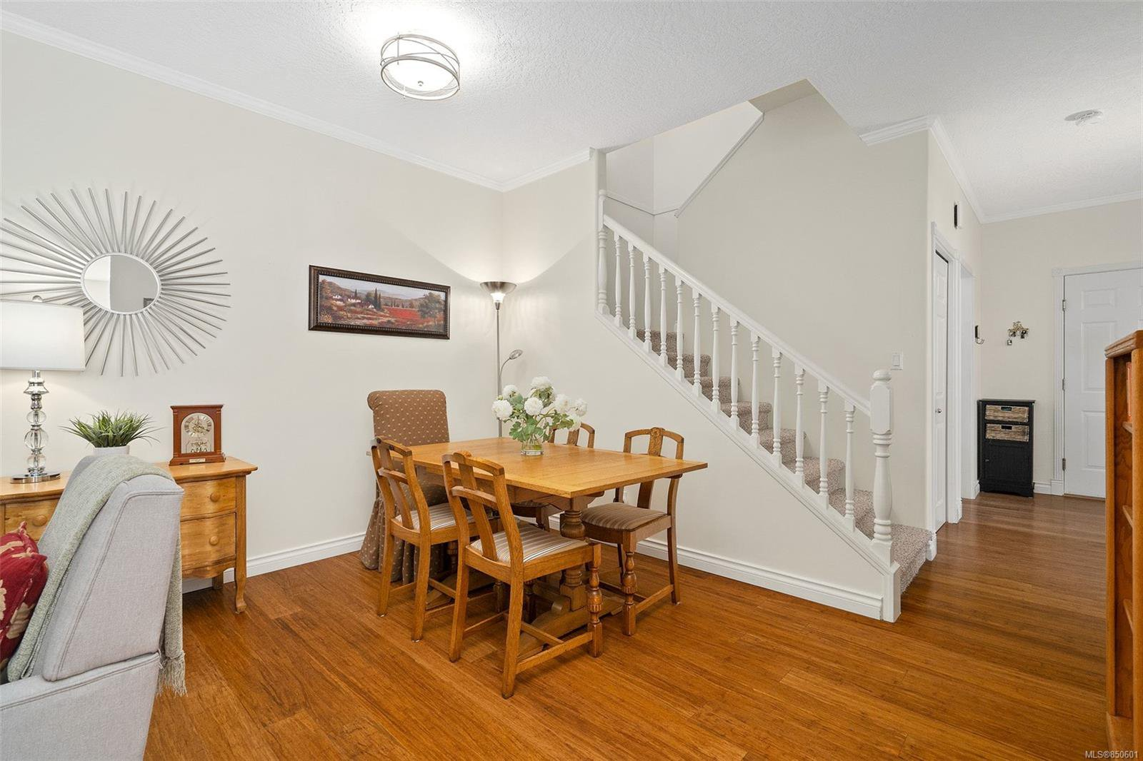 Photo 13: Photos: 5 2235 Harbour Rd in : Si Sidney North-East Row/Townhouse for sale (Sidney)  : MLS®# 850601