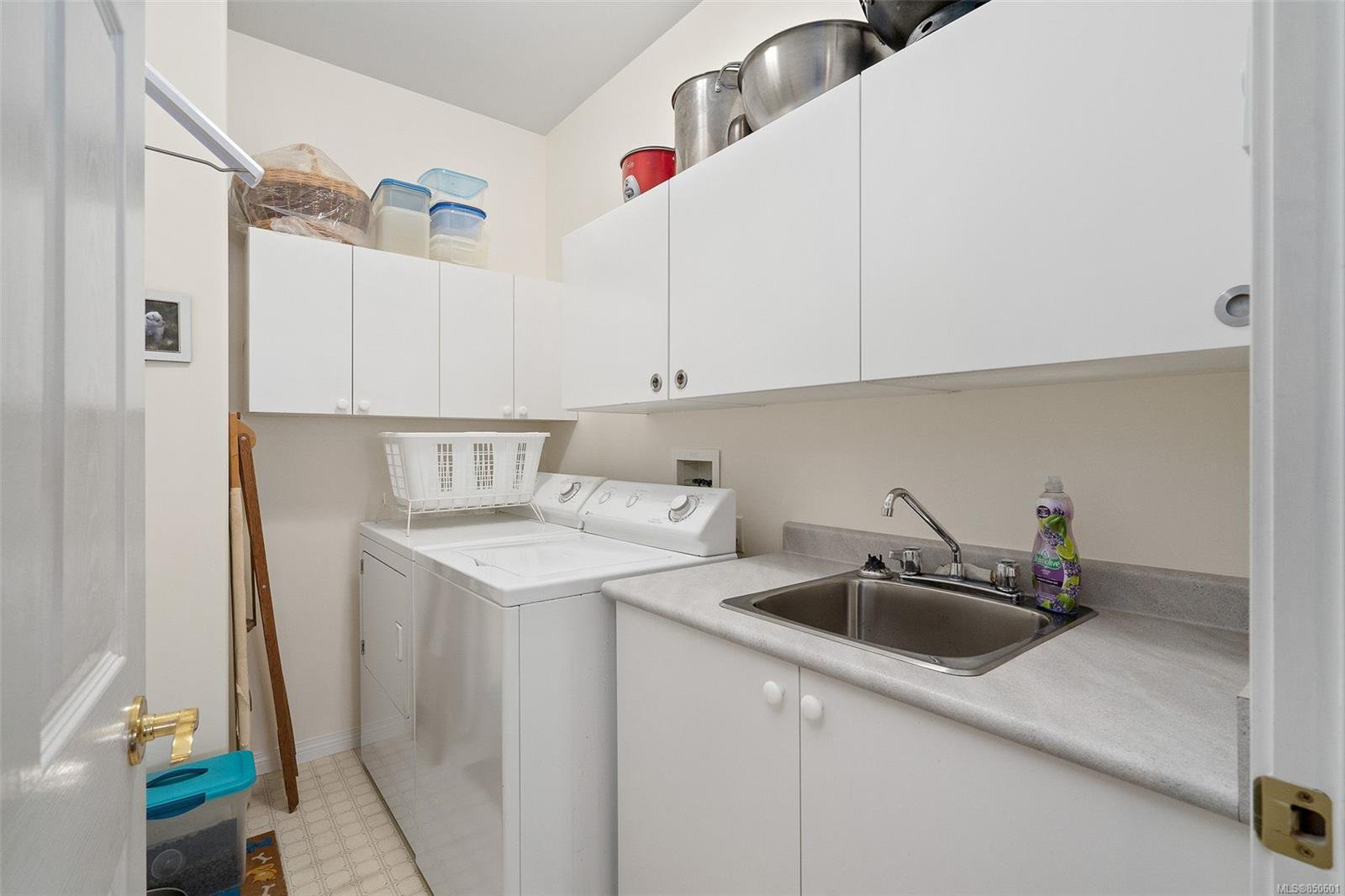 Photo 26: Photos: 5 2235 Harbour Rd in : Si Sidney North-East Row/Townhouse for sale (Sidney)  : MLS®# 850601