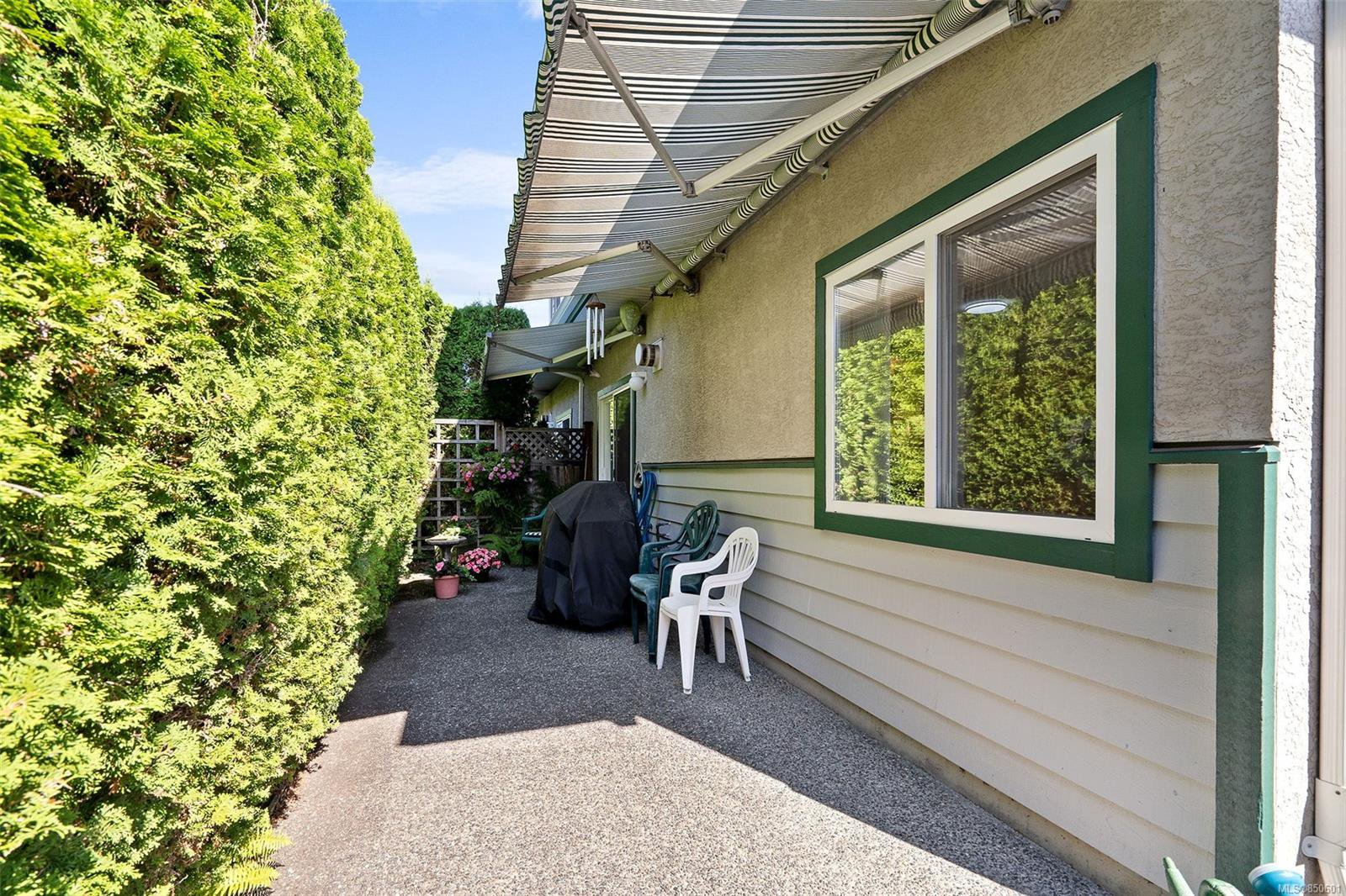 Photo 32: Photos: 5 2235 Harbour Rd in : Si Sidney North-East Row/Townhouse for sale (Sidney)  : MLS®# 850601
