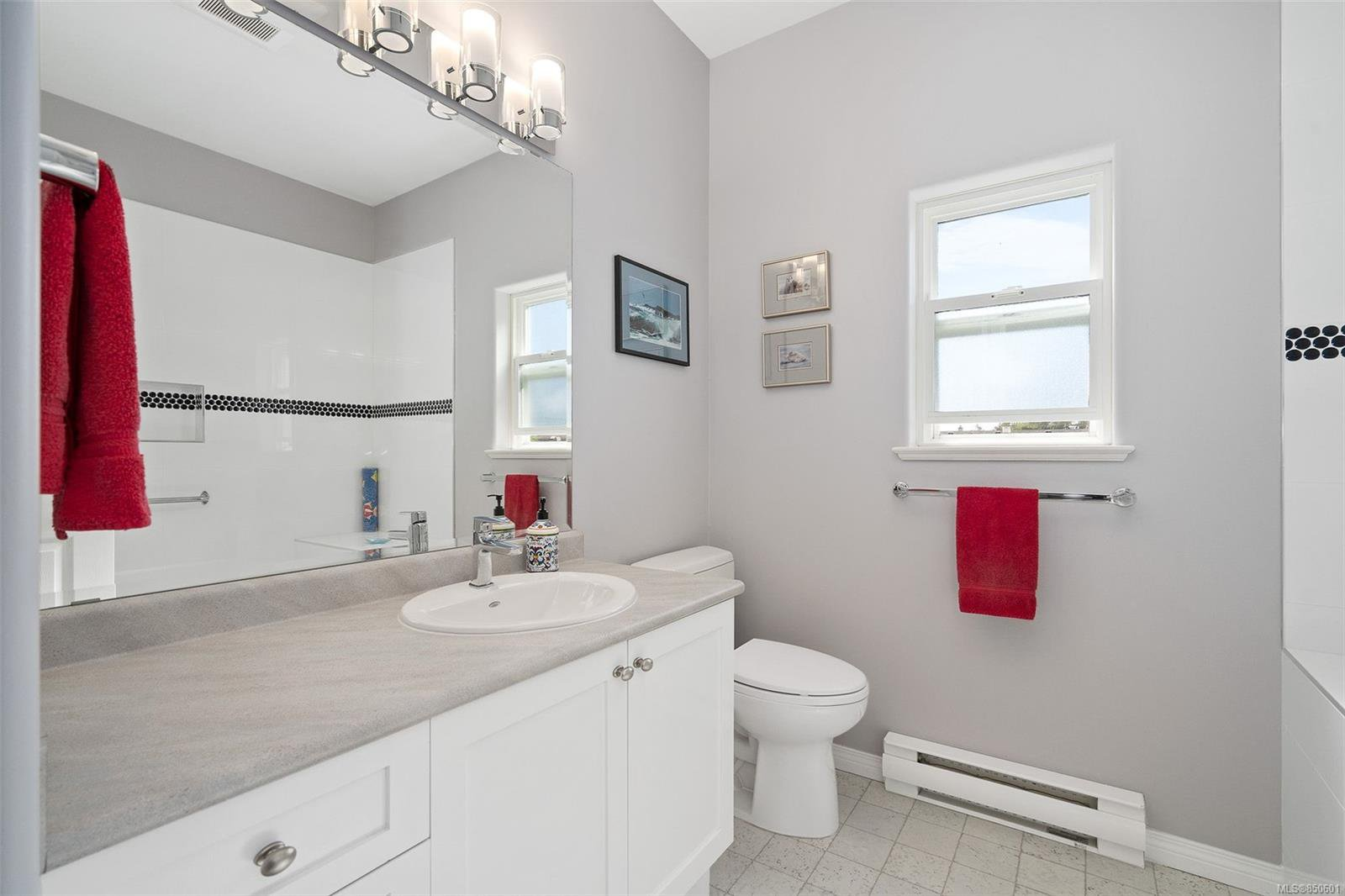 Photo 18: Photos: 5 2235 Harbour Rd in : Si Sidney North-East Row/Townhouse for sale (Sidney)  : MLS®# 850601