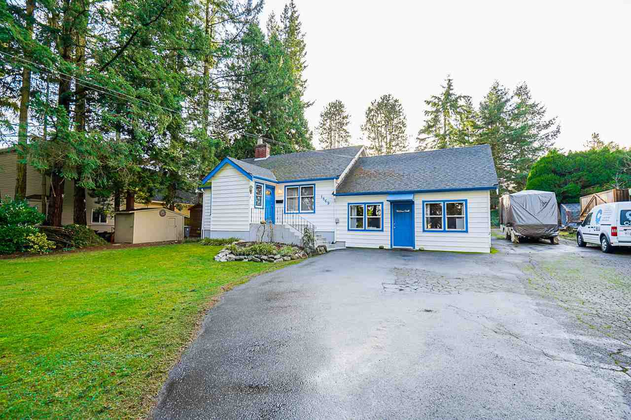 Main Photo: 1868 LILAC Drive in Surrey: King George Corridor House for sale (South Surrey White Rock)  : MLS®# R2527839