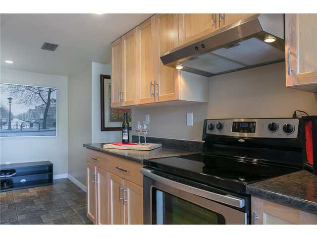 "Photo 4: Photos: 1009 OLD LILLOOET Road in North Vancouver: Lynnmour Condo for sale in ""Lynnmour West"" : MLS®# V1060053"