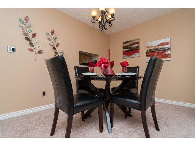 """Photo 4: Photos: 10 2980 MARINER Way in Coquitlam: Ranch Park Townhouse for sale in """"MARINER MEWS"""" : MLS®# V1088633"""