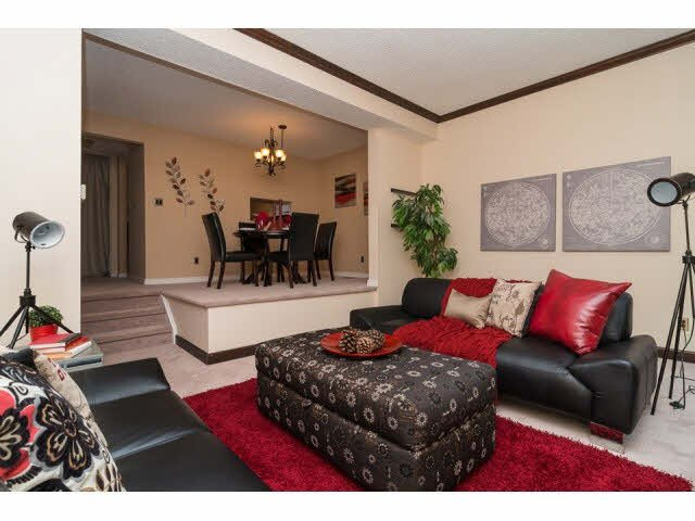 """Photo 3: Photos: 10 2980 MARINER Way in Coquitlam: Ranch Park Townhouse for sale in """"MARINER MEWS"""" : MLS®# V1088633"""