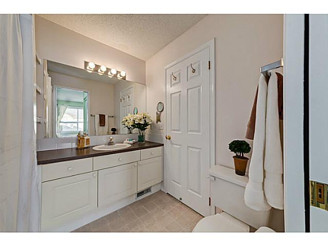Photo 12: Photos: 127 HARVEST GOLD Place NE in Calgary: Harvest Hills Townhouse for sale : MLS®# C3653395