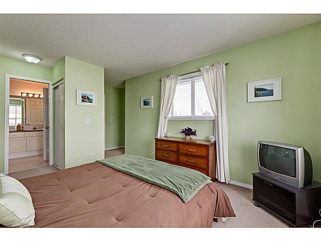 Photo 9: Photos: 127 HARVEST GOLD Place NE in Calgary: Harvest Hills Townhouse for sale : MLS®# C3653395