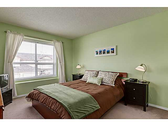 Photo 10: Photos: 127 HARVEST GOLD Place NE in Calgary: Harvest Hills Townhouse for sale : MLS®# C3653395