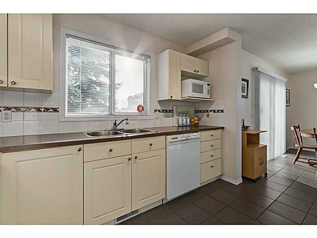 Photo 6: Photos: 127 HARVEST GOLD Place NE in Calgary: Harvest Hills Townhouse for sale : MLS®# C3653395
