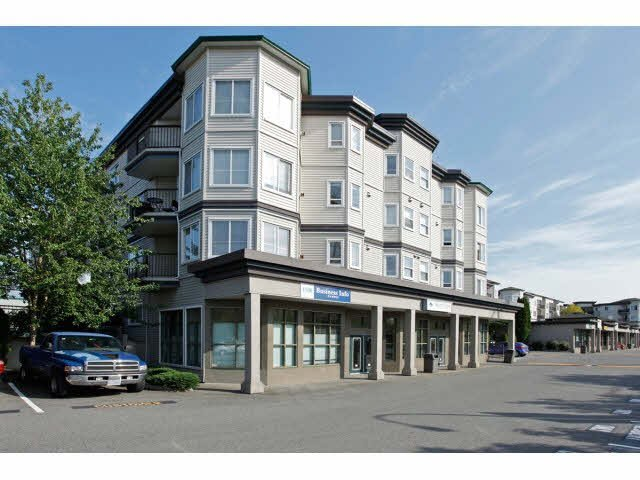"Main Photo: 403 5759 GLOVER Road in Langley: Langley City Condo for sale in ""COLLEGE COURT"" : MLS®# F1442596"