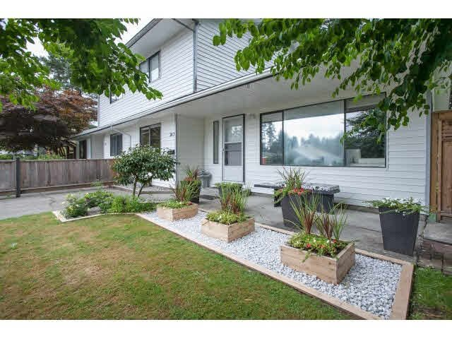 "Main Photo: 747 CHELSEA Avenue in Port Coquitlam: Lincoln Park PQ 1/2 Duplex for sale in ""LINCOLN PARK"" : MLS®# V1139113"