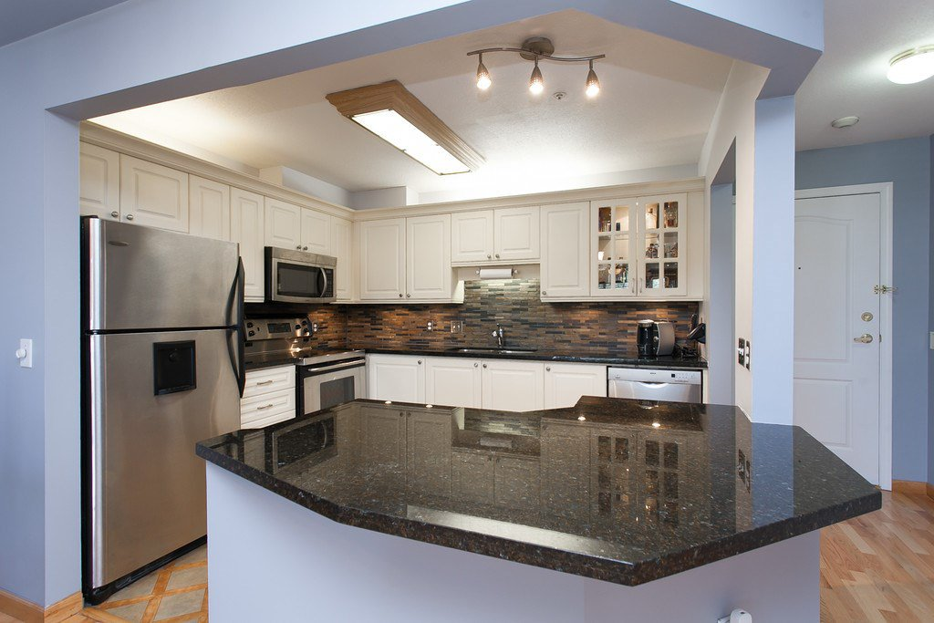 "Main Photo: 410 20453 53RD Avenue in Langley: Langley City Condo for sale in ""COUNTRYSIDE ESTATE"" : MLS®# F1451210"