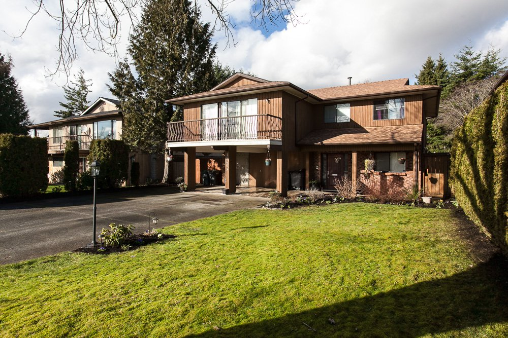 Main Photo: 15409 85A Avenue in Surrey: Fleetwood Tynehead House for sale : MLS®# R2035795
