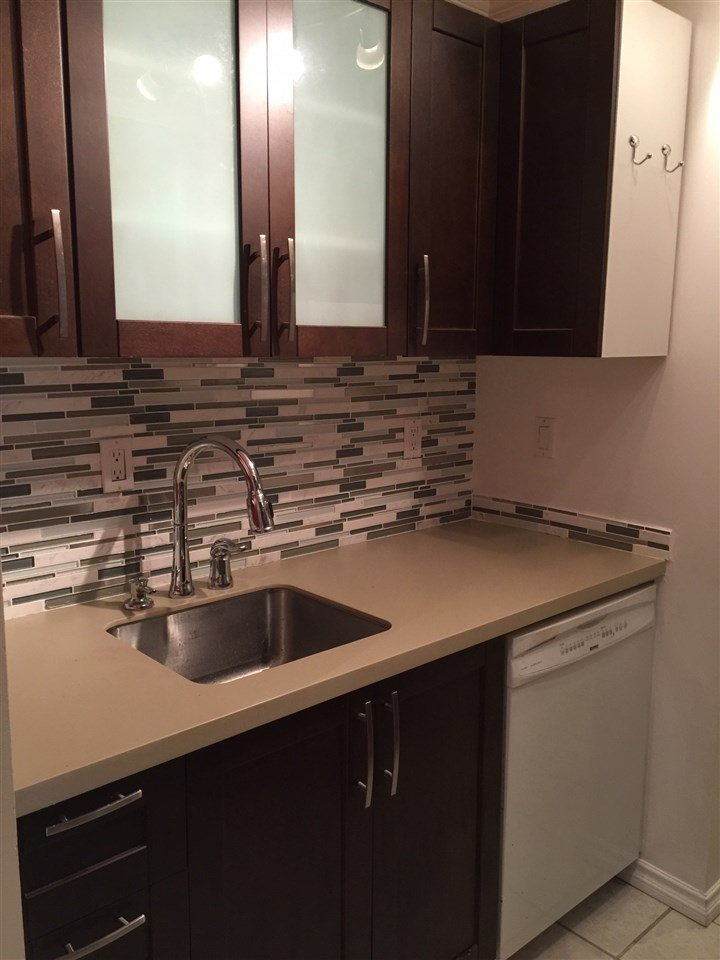 """Main Photo: 311 9620 MANCHESTER Drive in Burnaby: Cariboo Condo for sale in """"BROOKSIDE PARK"""" (Burnaby North)  : MLS®# R2064058"""