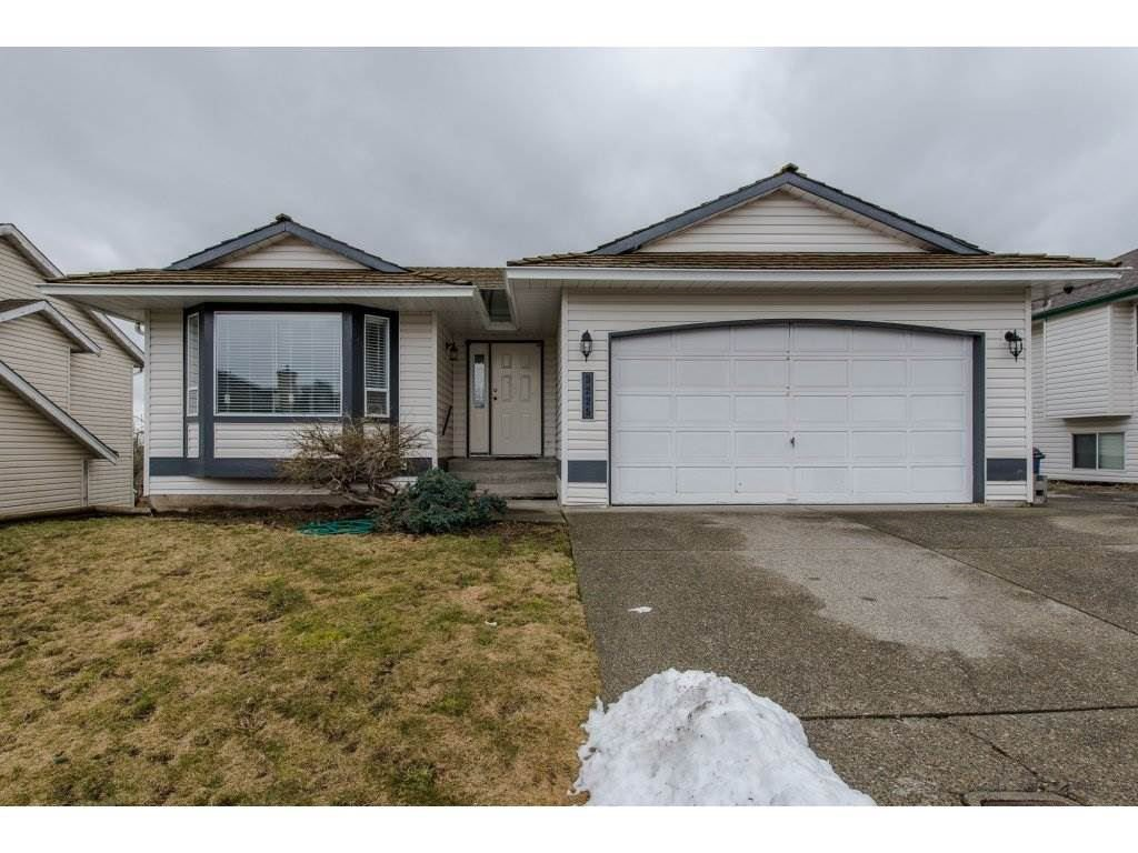 Main Photo: 3225 PONDEROSA Street in Abbotsford: Abbotsford West House for sale : MLS®# R2168208