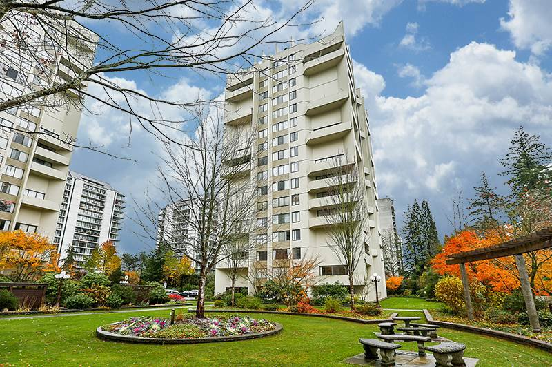Main Photo: 1206 4105 MAYWOOD Street in Burnaby: Metrotown Condo for sale (Burnaby South)  : MLS®# R2223382