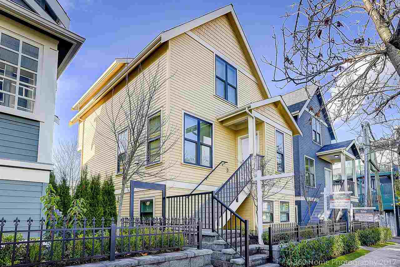 "Main Photo: 433 VERNON Drive in Vancouver: Mount Pleasant VE Townhouse for sale in ""STRATHCONA"" (Vancouver East)  : MLS®# R2224980"