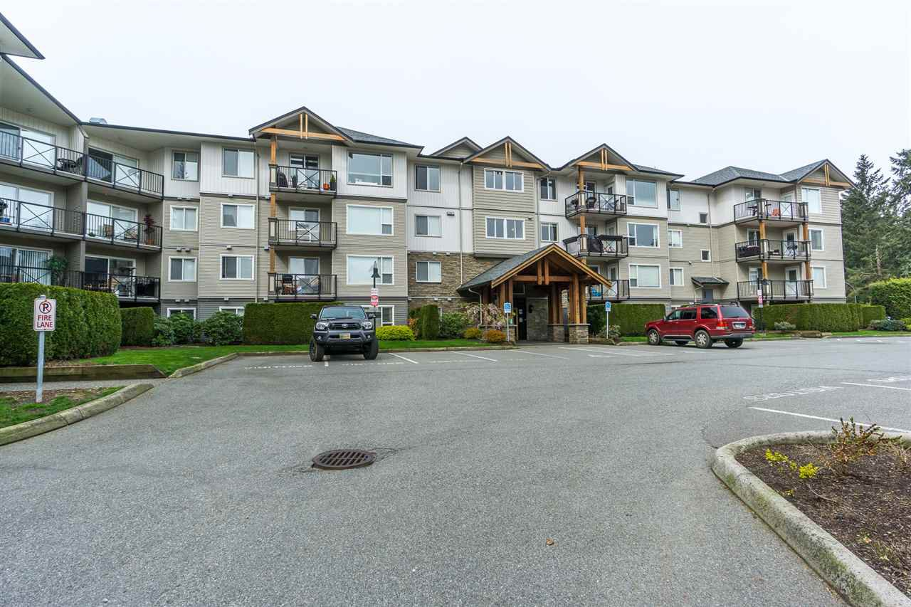 "Main Photo: 401 2955 DIAMOND Crescent in Abbotsford: Abbotsford West Condo for sale in ""Westwood"" : MLS®# R2260201"