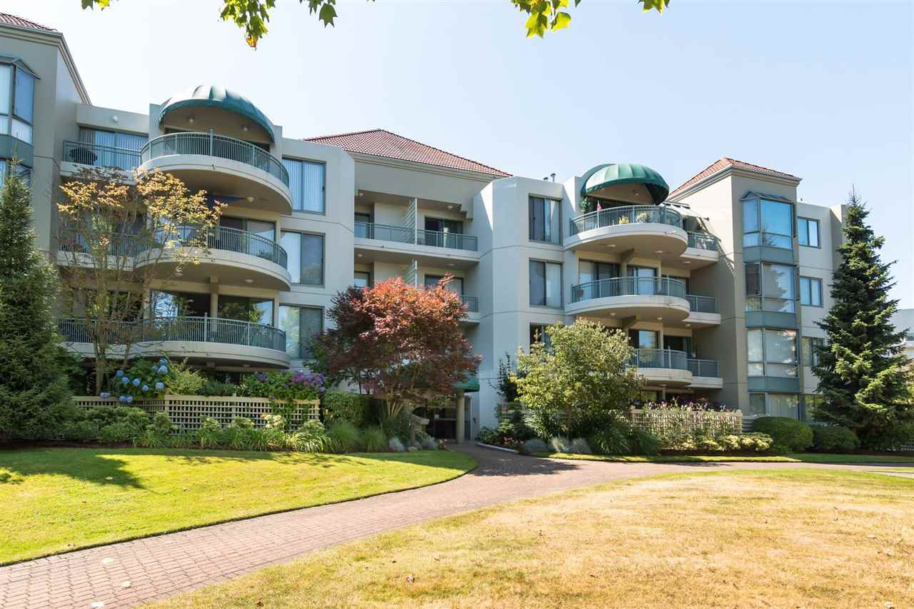 """Main Photo: 101 1705 MARTIN Drive in Surrey: Sunnyside Park Surrey Condo for sale in """"SOUTHWYND"""" (South Surrey White Rock)  : MLS®# R2291891"""