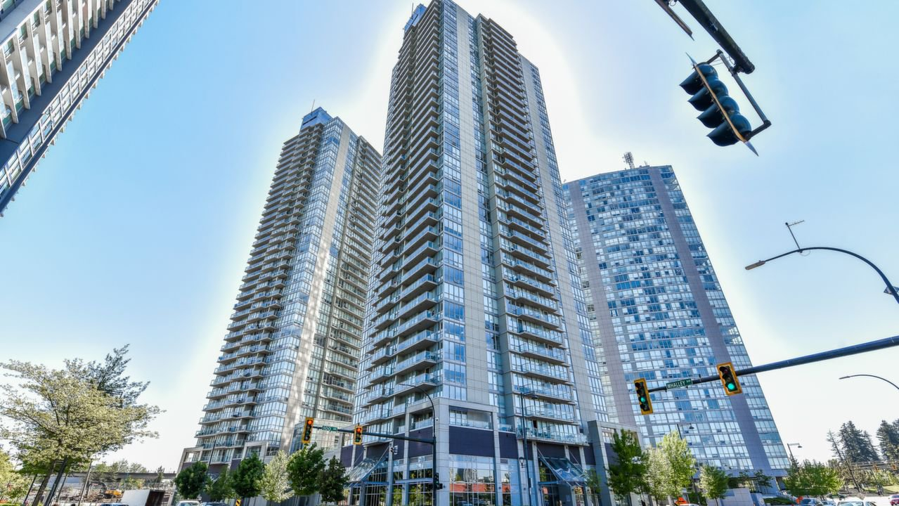 "Main Photo: 3309 13688 100 Avenue in Surrey: Whalley Condo for sale in ""PARK PLACE 1"" (North Surrey)  : MLS®# R2337080"
