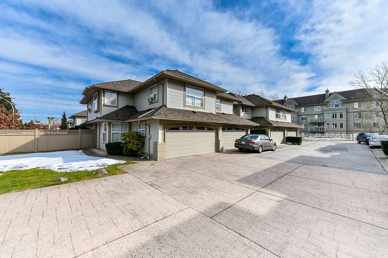 """Main Photo: 43 12165 75 Avenue in Surrey: West Newton Townhouse for sale in """"Strawberry Hill Estates III"""" : MLS®# R2347206"""