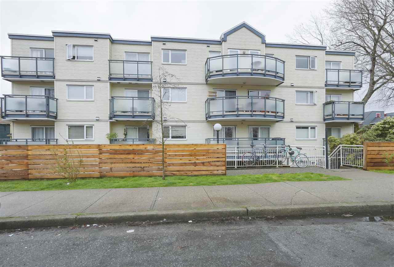 "Main Photo: 305 33 N TEMPLETON Drive in Vancouver: Hastings Condo for sale in ""33 NORTH"" (Vancouver East)  : MLS®# R2356552"
