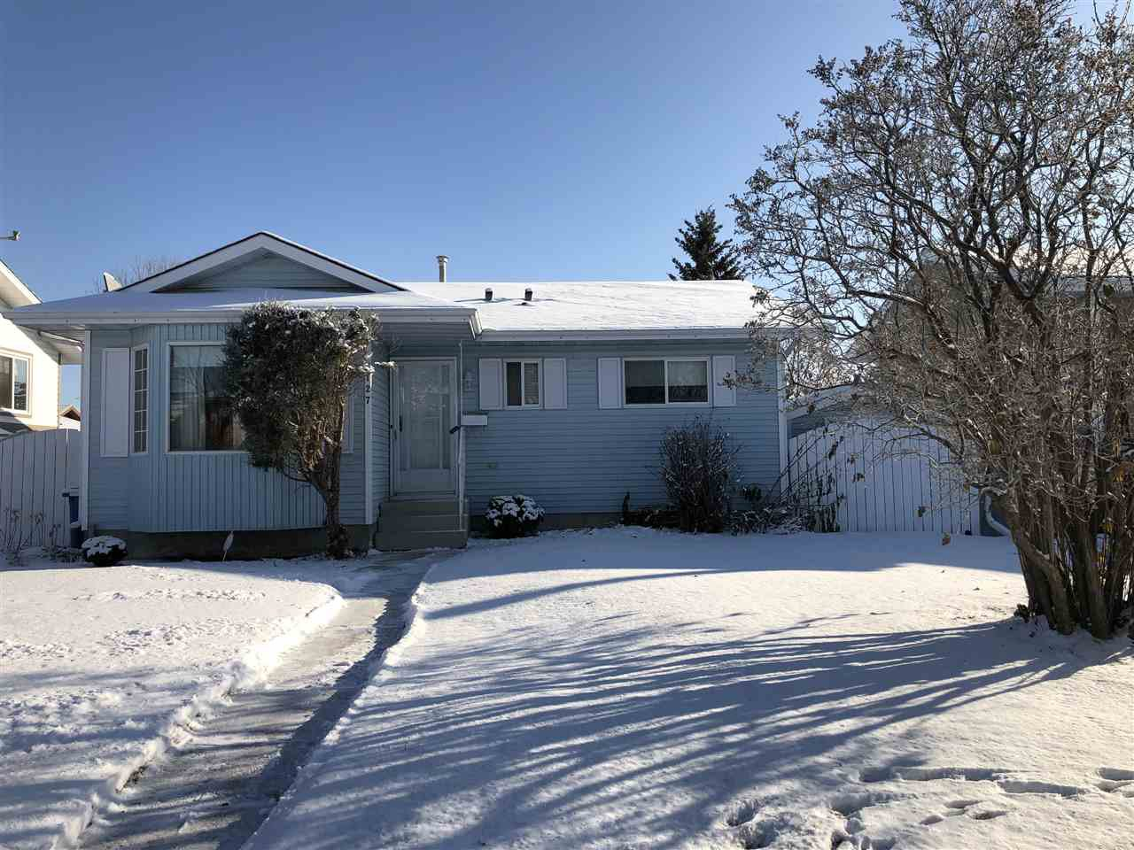 Main Photo: 127 Cameron Crescent: Wetaskiwin House for sale : MLS®# E4157765
