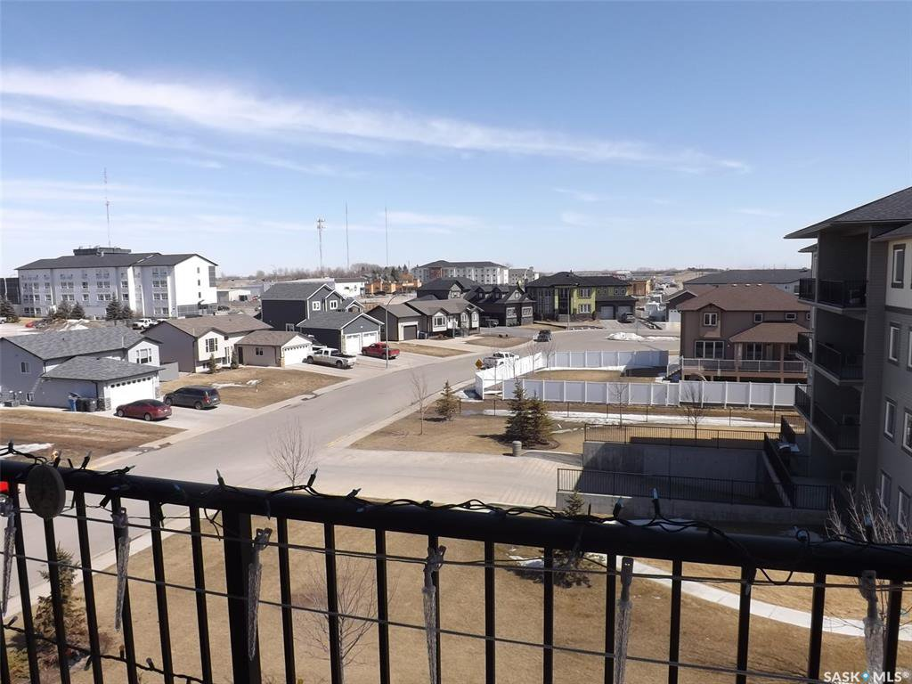 Main Photo: 401 304 Petterson Drive in Estevan: Residential for sale : MLS®# SK773375
