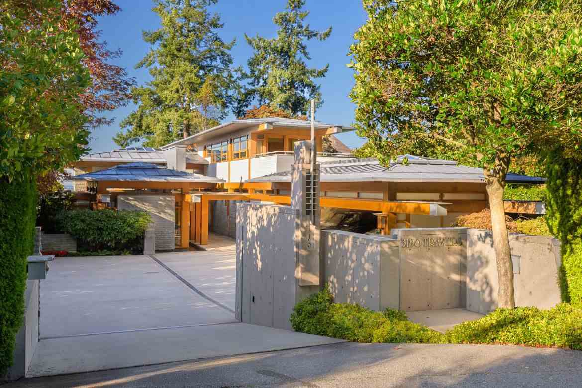 Photo 18: Photos: 3190 TRAVERS Avenue in West Vancouver: West Bay House for sale : MLS®# R2408057