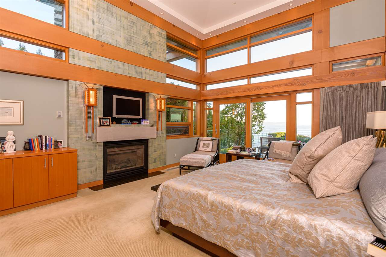 Photo 14: Photos: 3190 TRAVERS Avenue in West Vancouver: West Bay House for sale : MLS®# R2408057