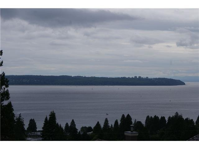 "Photo 1: Photos: 802 1745 ESQUIMALT Avenue in West Vancouver: Ambleside Condo for sale in ""Lion Crest"" : MLS®# V895582"