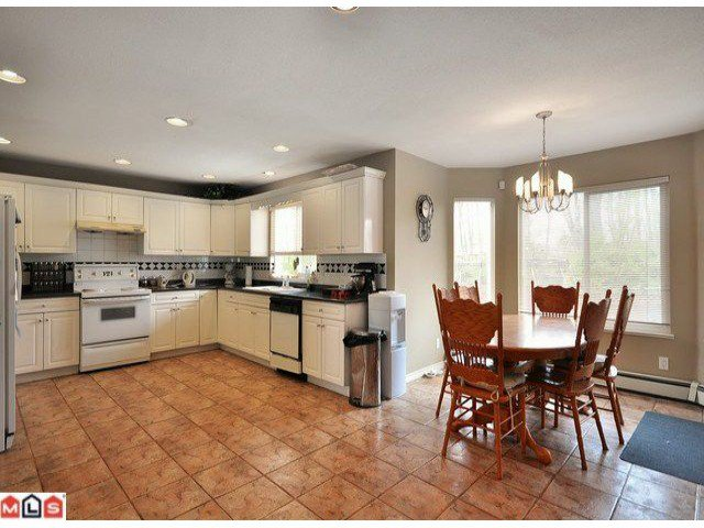Photo 4: Photos: 15449 82A Avenue in Surrey: Fleetwood Tynehead House for sale : MLS®# F1122243