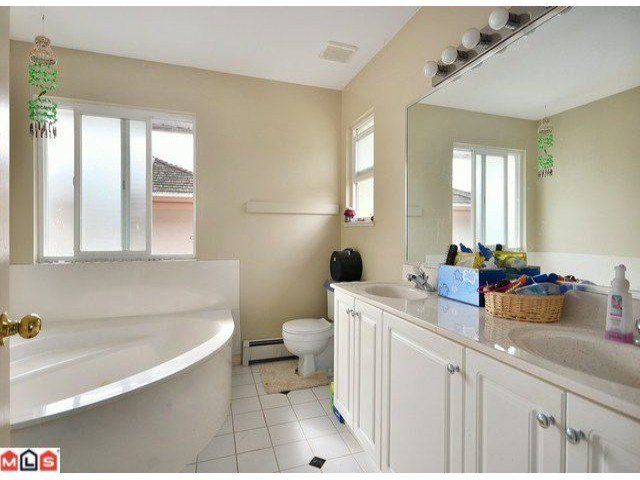 Photo 8: Photos: 15449 82A Avenue in Surrey: Fleetwood Tynehead House for sale : MLS®# F1122243