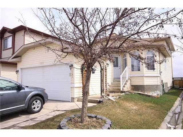 Main Photo: 191 APPLEGLEN Park SE in CALGARY: Applewood Residential Detached Single Family for sale (Calgary)  : MLS®# C3494274