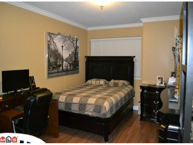 """Photo 8: Photos: 112 33728 KING Road in Abbotsford: Poplar Condo for sale in """"College Park"""" : MLS®# F1124351"""