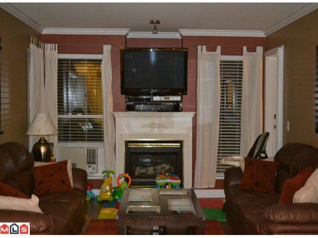 """Photo 5: Photos: 112 33728 KING Road in Abbotsford: Poplar Condo for sale in """"College Park"""" : MLS®# F1124351"""